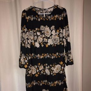 Old Navy Floral Tunic with Bell Sleeves: Md Tall